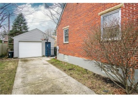 326 Dixon Ave,Oakwood,Ohio 45419,4 Bedrooms Bedrooms,10 Rooms Rooms,3 BathroomsBathrooms,Single family,Dixon Ave,755417