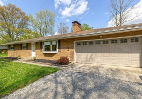 Brick Ranch in Washington Township on 1.3 Acres!
