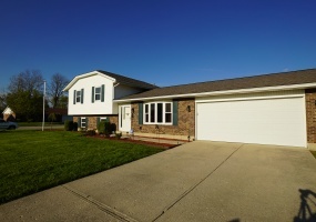 1000 Meadowrun,Englewood,Ohio 45322,3 Bedrooms Bedrooms,11 Rooms Rooms,2 BathroomsBathrooms,Single family,Meadowrun,756852