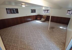 527 Bennert Drive Family Room