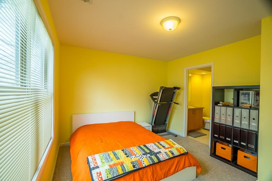Second ensuite Bedroom with WALK IN CLOSET