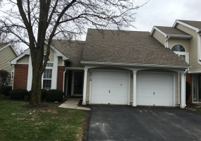 Ranch style condo located in Centerville